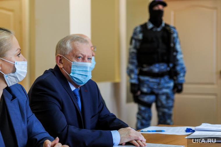 Суд по делу Евгения Тефтелева о взятках. Челябинск