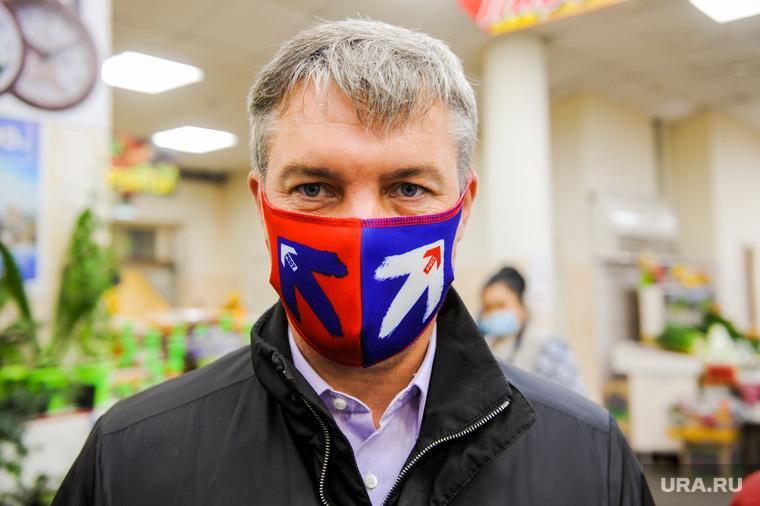Борис Титов на встрече с представителями малоформатной торговли на рынке. Челябинск