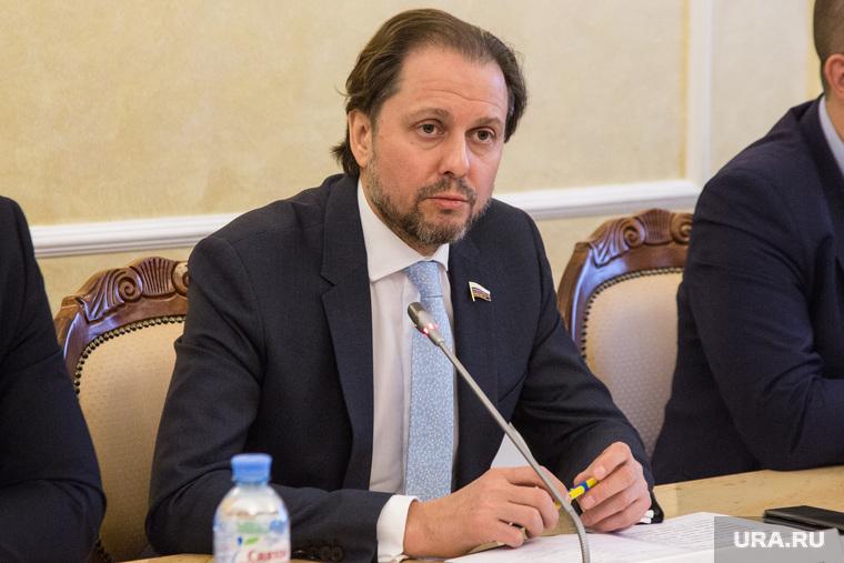Пресс-конференция Владимира Сысоева , депутата государственной думы. Тюмень