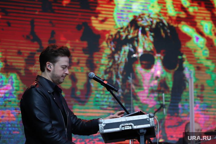 """Концерт группы """"А-Студио"""" во время официального открытия Veer Mall. Екатеринбург"""