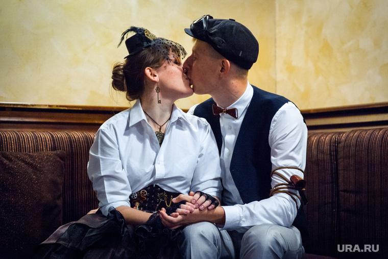 Стимпанк свадьба. Екатеринбург, поцелуй, костюмы, свадьба
