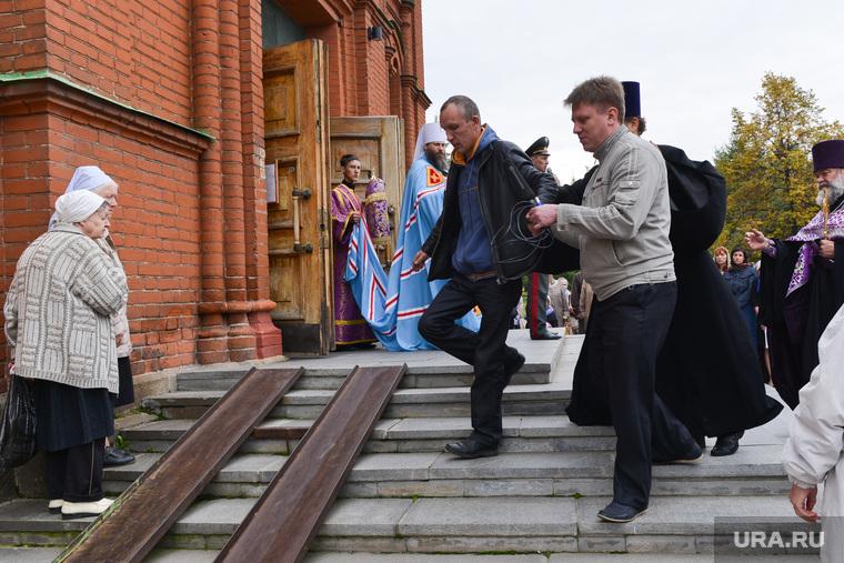 Молебен за трезвость. Челябинск., церковь, пьяный, трезвость