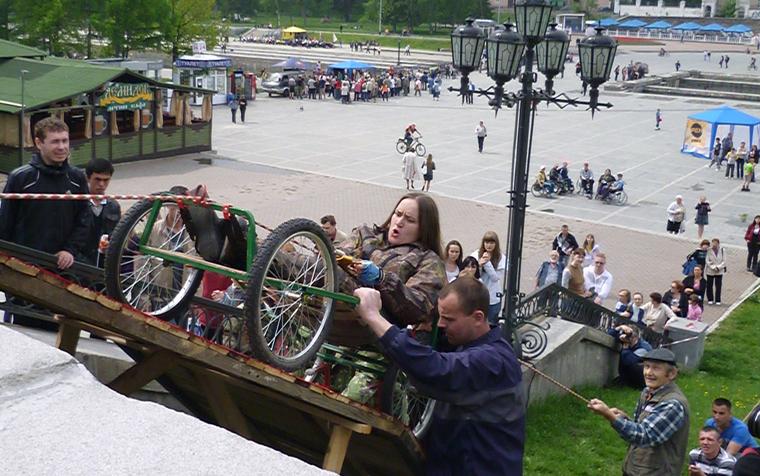 Уральские коляски для инвалидов-экстремалов Вязовцев, команда восхождение, коляски для инвалидов экстремалов, майский экстрим
