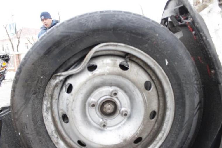 ДТП такси Челябинск, колесо, колесо старое