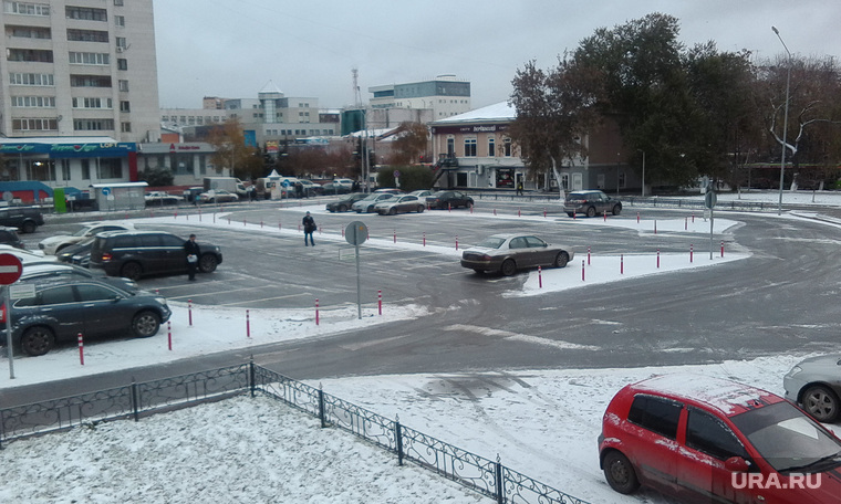 Тюмень платные парковки, платная парковка на Ленина, пустая платная парковка