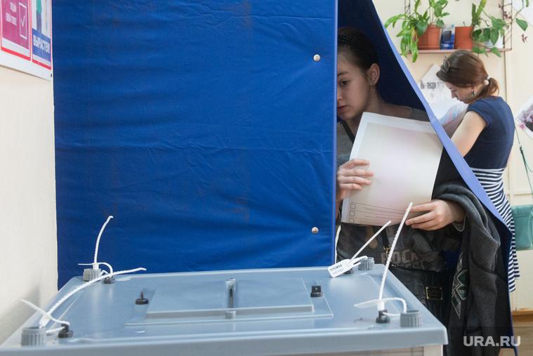 Закон об отмене открепительных удостоверений на выборах протестируют на Среднем Урале и в Прикамье