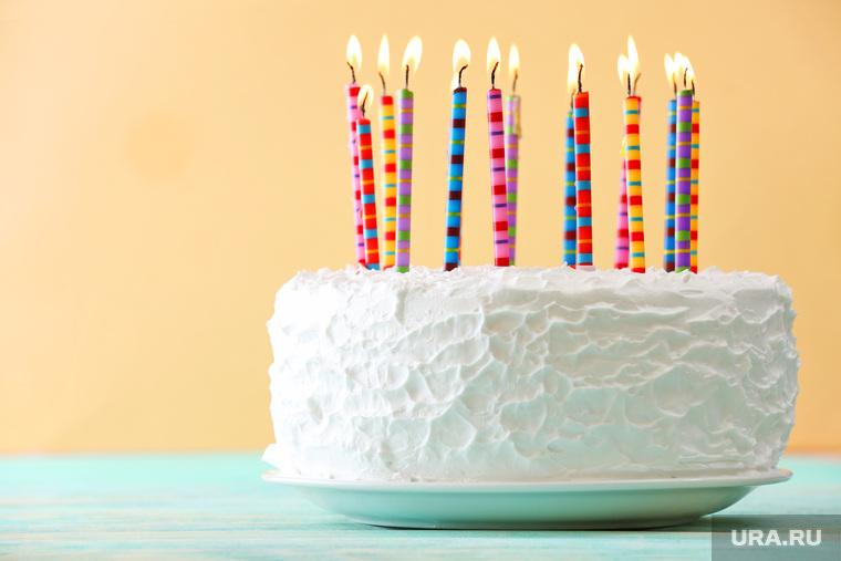 фото тортов со свечами на день рождения строителя советского
