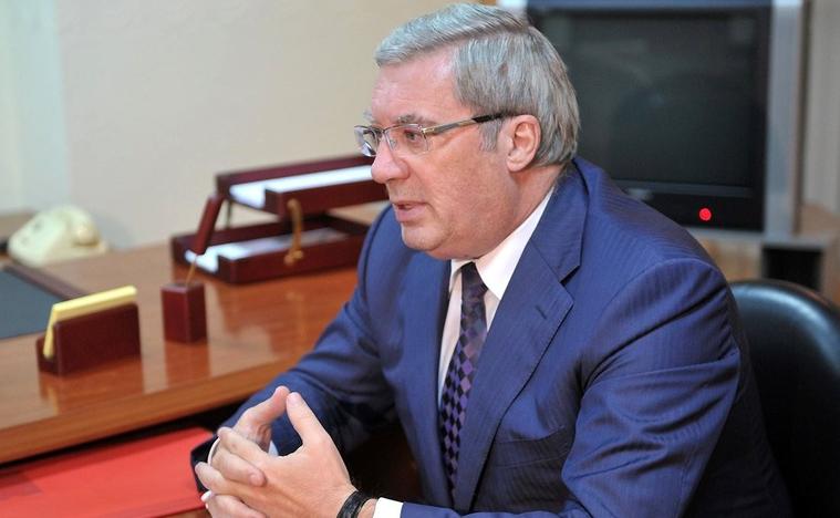 Красноярский губернатор предложил колоть шины за езду по ремонтируемому мосту