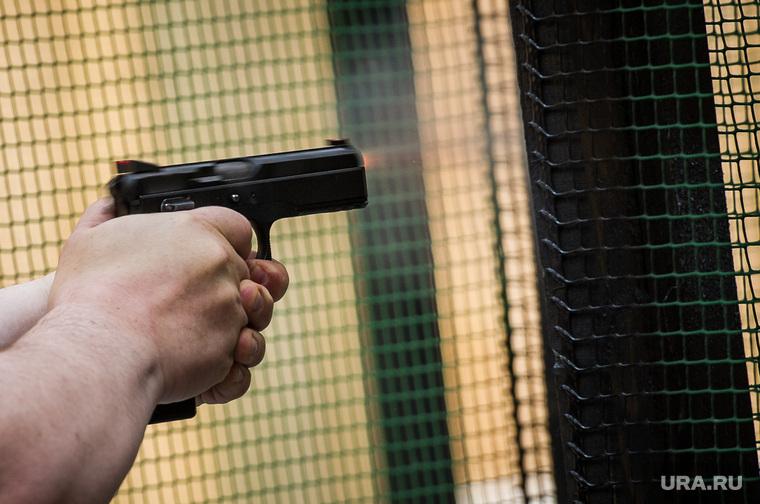 Главный украинский националист устроил стрельбу возле метро в Киеве
