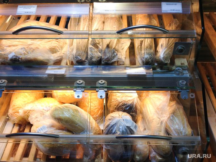 Реклама Здоровая ферма. Магазин. Супермаркет. Продукты. Челябинск., хлеб, витрина, батон