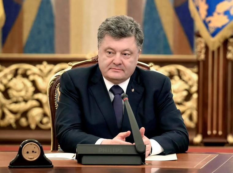 Саакашвили предложил Порошенко перемирие