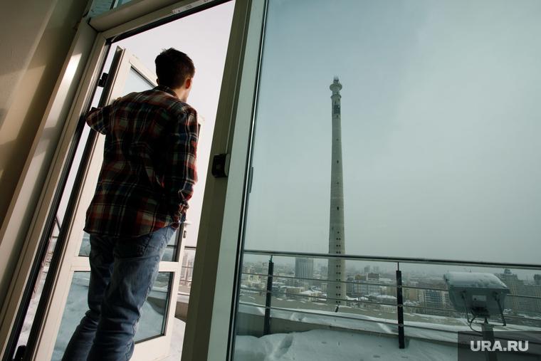 Неизвестные проникли на вершину недостроенной телебашни. Екатеринбург, наблюдатель, недостроенная телевышка, башня, заброшенная телебашня, екатеринбургская телебашня