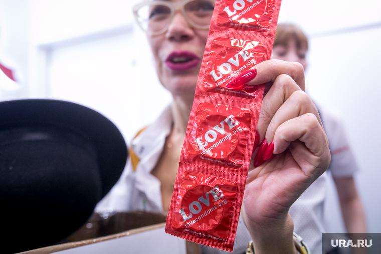 VI Международная конференция по ВИЧ-СПИДу в восточной Европе и Центральной Азии. Москва, презервативы, сбор денег, маслова ирина, побирушки, финансирование закончилось, эпидемия осталась, средства контрацепции