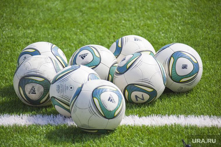 Футбол. Пермь, футбол, мячи