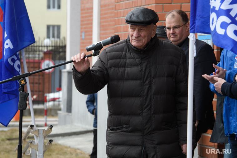 Правительственный субботник у Госпиталя ветеранов всех войн. Екатеринбург , спектор семен