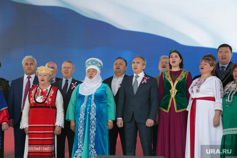 Празднование Дня России. Тюмень, моор александр, народные костюмы