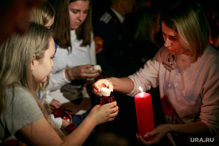 """Акция """"Помни"""" в день скорби и печали 22 июня в Парке Победы. Москва, волонтеры победы, память, мемориал, свеча скорби"""