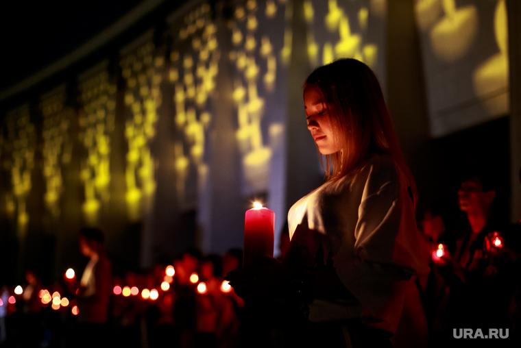 """Акция """"Помни"""" в день скорби и печали 22 июня в Парке Победы. Москва, память, мемориал, свеча скорби"""