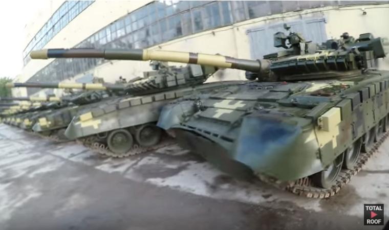 На заброшенной украинской базе нашли сотни готовых к бою танков