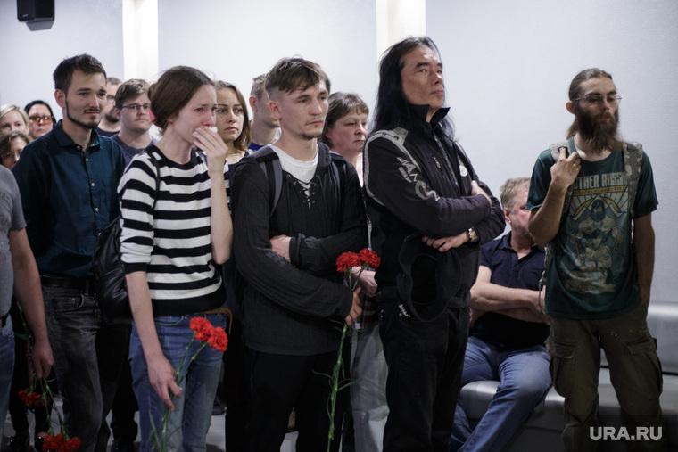 Прощание в уличным художником Александром Жуневым. Пермь