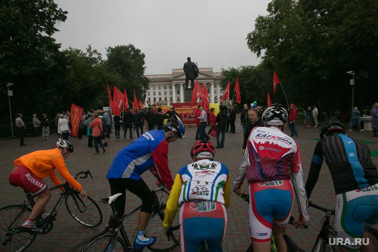 Митинг против пенсионной реформы. Тюмень, велосепедист, протест, пенсионная реформа