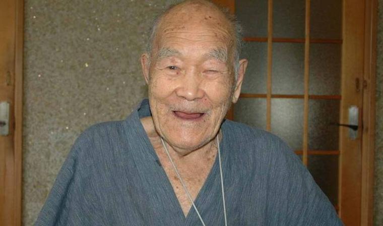 Скончался самый старый мужчина на планете