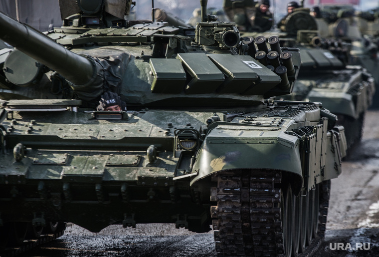 Уральские танки показали на военном параде в Лаосе