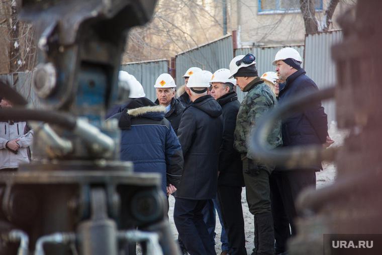 Виталий Мутко у дома № 164 на проспекте Карла Маркса. Магнитогорск, мутко виталий