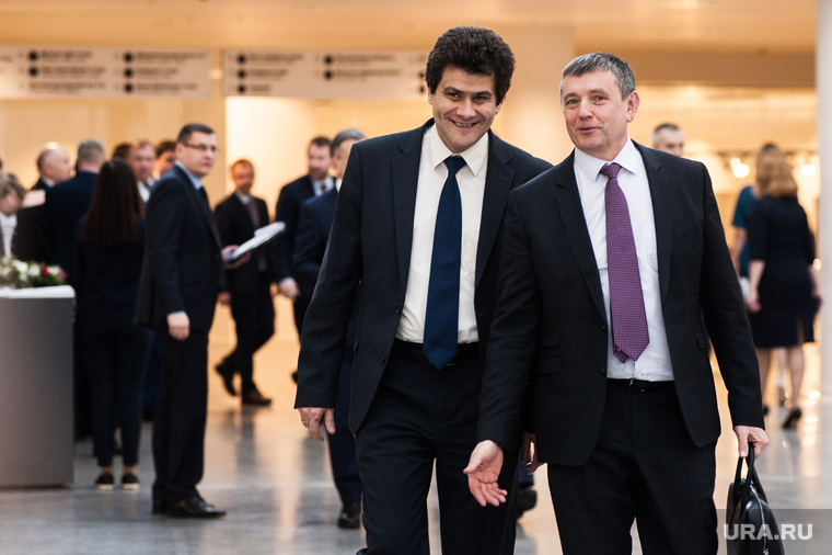 В Екатеринбурге собралась верхушка бизнеса и власти региона. В повестке — нацпроекты на триллионы