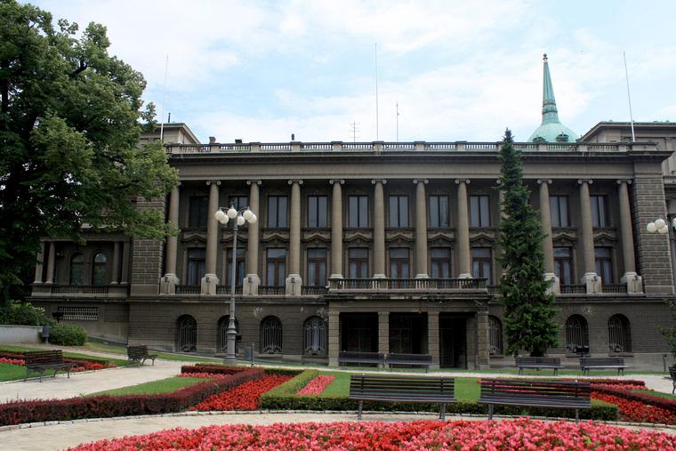 Протестующие в Сербии прорвались к президентскому дворцу. ВИДЕО