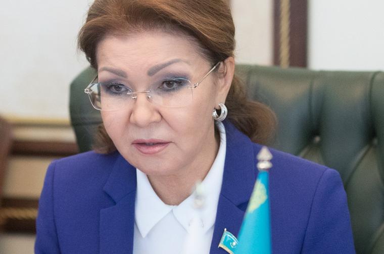 Дочь Назарбаева назвала детей-инвалидов «уродами» и предложила водить экскурсии в детдома