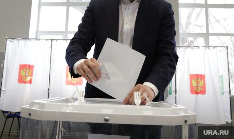В России стартовала зачистка судей, Шипулин против Грудинина на выборах, Матвиенко учит ругать власть. Главное за выходные — в подборке «URA.RU»