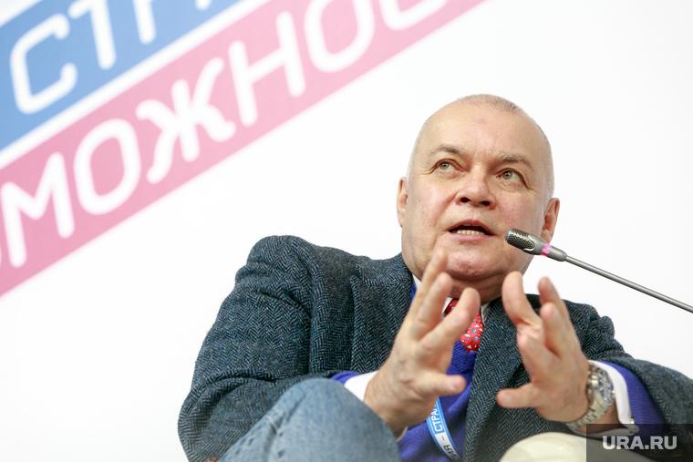 «Выдавить из себя Сталина»: Киселев заступился за Кокорина, Мамаева и скандально известного пермского учителя