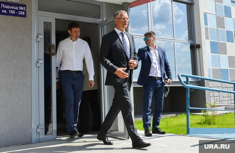 Сергей Степашин во время рабочего визита в Челябинск