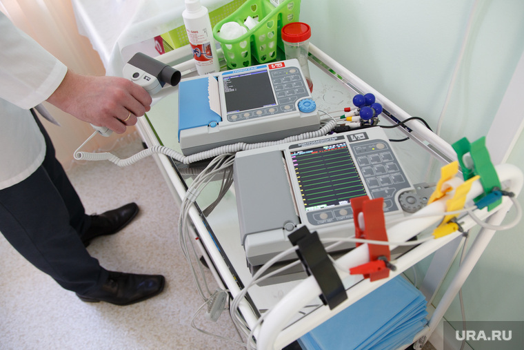 СМТ клиника «Кидс». Екатеринбург, медицина, электрокардиограф, кардиография, спирограф, врачебный кабинет, медицинская техника, аппарат