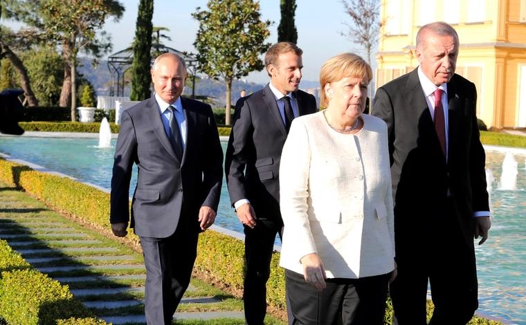 Путин обсудил с Макроном и Меркель кризис на Украине и «провальную» политику Порошенко