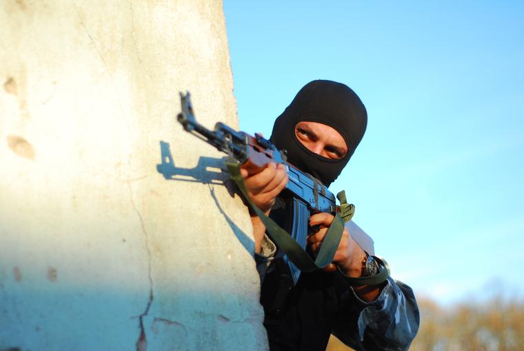 Во Владимирской области введен режим контртеррористической операции. Силовики заблокировали боевиков в доме