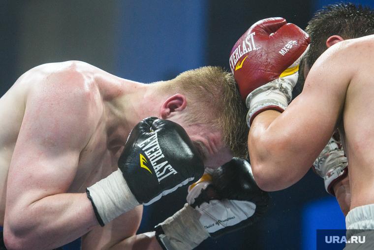 Врачи раскрыли состояние российского боксера, введенного в кому после боя