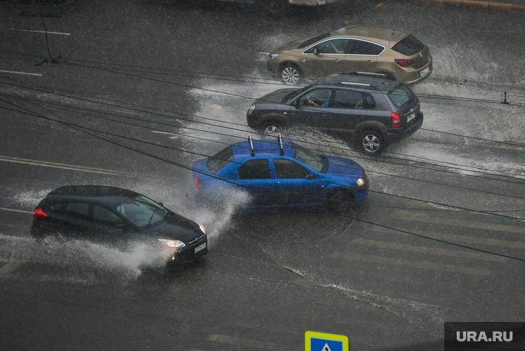 Свердловской области пообещали новый ураган