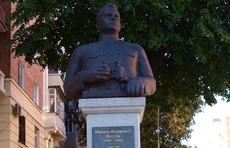 На Украине осквернили памятник герою Великой Отечественной войны