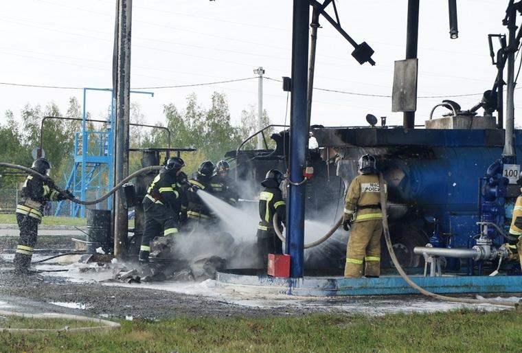 Взрыв бензовозов на челябинской нефтебазе сняли на камеру. ВИДЕО