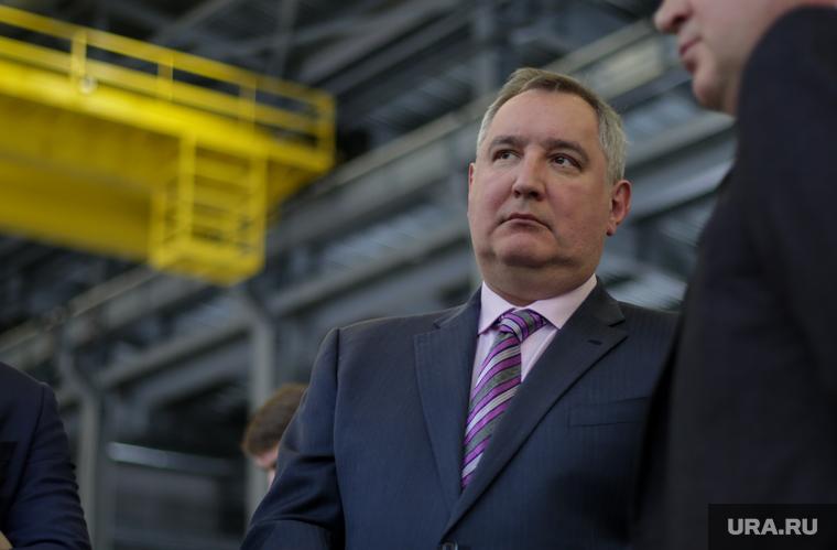 Рогозин «засекретил» причину появления дыры в обшивке «Союза»