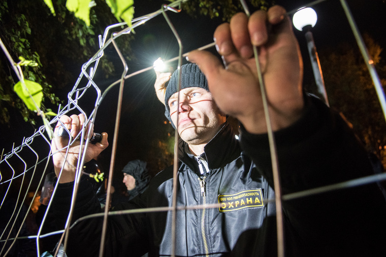 Участники майских протестов не признают опрос о храме Святой Екатерины