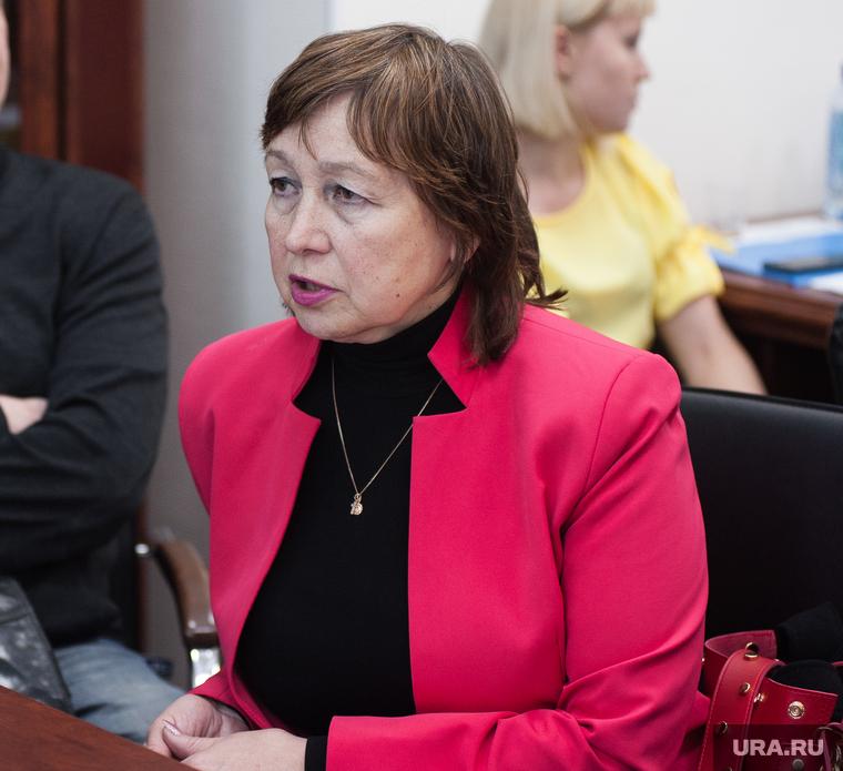 Жильцы дома по адресу Карла Либкнехта, 40 на приеме у председателя Екатеринбургской городской Думы. Екатеринбург