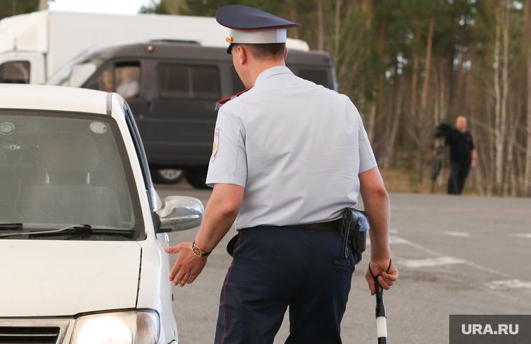 Полицейский получил перелом ноги, избивая задержанного