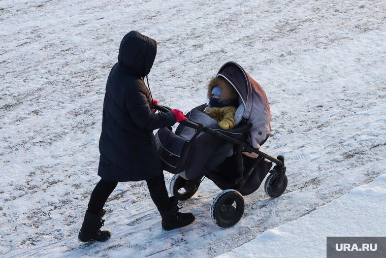 Ямальцам потребовалось втрое больше денег для получения детских пособий