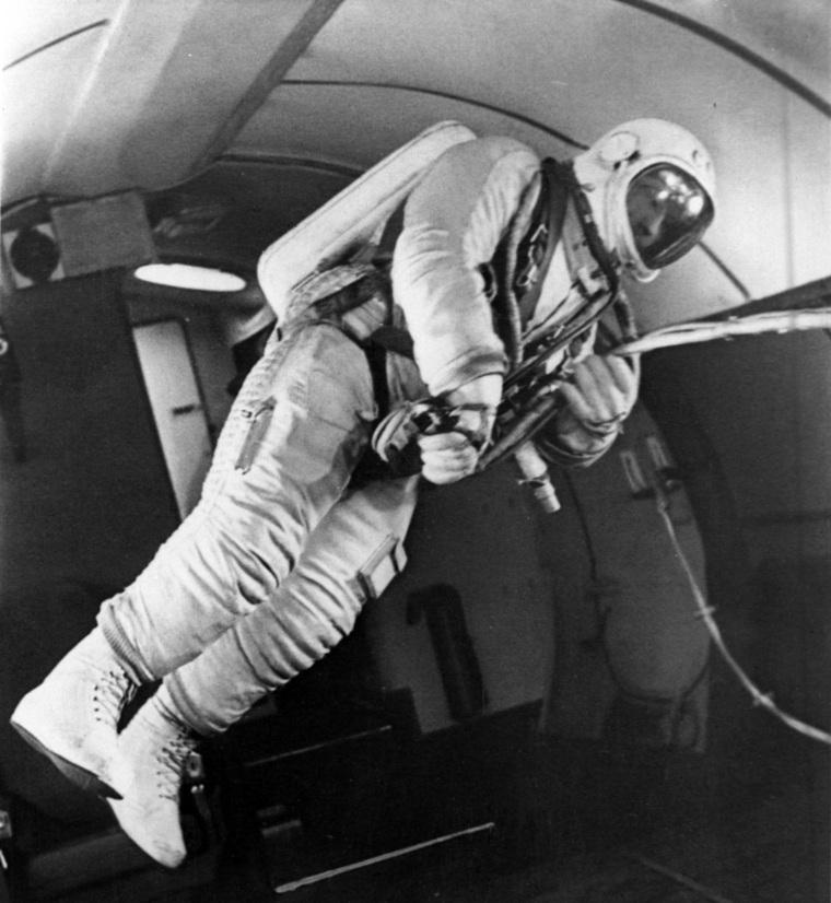 балдею картинки леонова выход в открытый космос ремонта