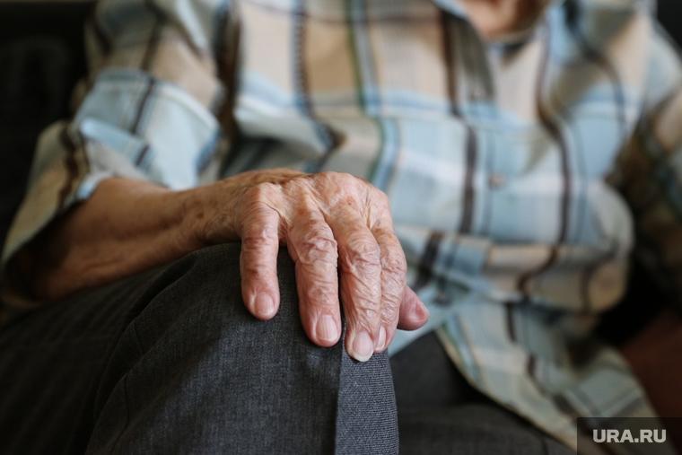 80-летняя пенсионерка из Казани, у которой грабитель отобрал продукты и деньги, умерла через три дня