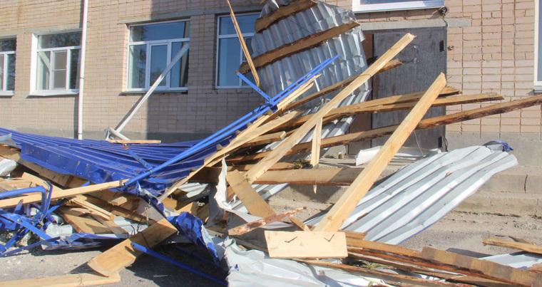 Власти подсчитывают ущерб от урагана, обрушившегося на Челябинскую область. ФОТО