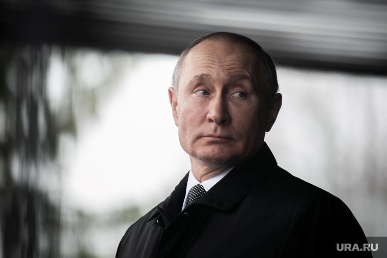 Путин: врачам, работающим с больными коронавирусом, выплатят по 80 тысяч рублей